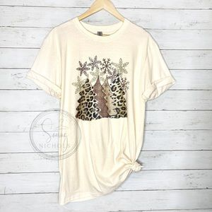 Leopard Christmas Trees Tee Size Large